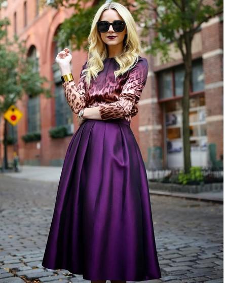 На фото пышная юбка в стиле ретро