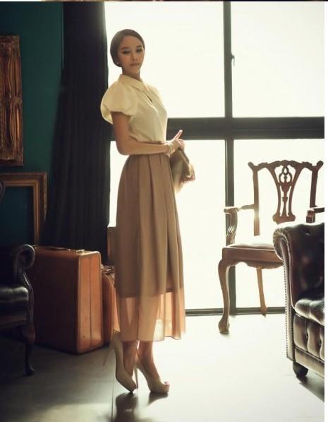На фото юбка в стиле ретро